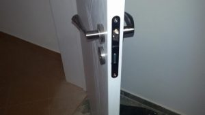 брава за врата 9